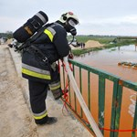 Toxic sludge ravages 3 townships in Hungary, 7 killed